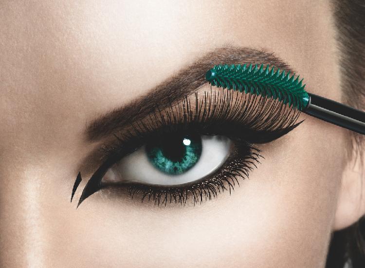 5 Mascara Pitfalls and How to Avoid Them